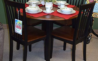 Round Drop Leaf with 4 Chairs