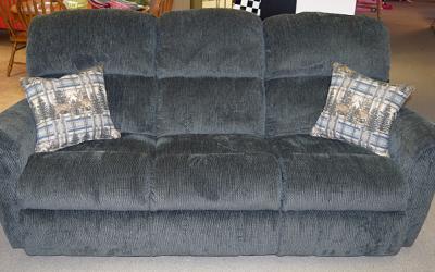86.5″ Reclining Sofa